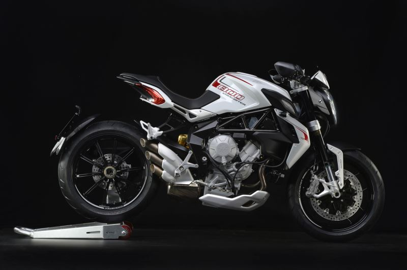 motorcycle photo MV AGUSTA - BRUTALE 800 DRAGSTER(2015) STREET