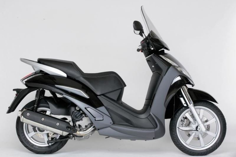 motorcycle photo PEUGEOT - GEOPOLIS 400(2017) SCOOTER