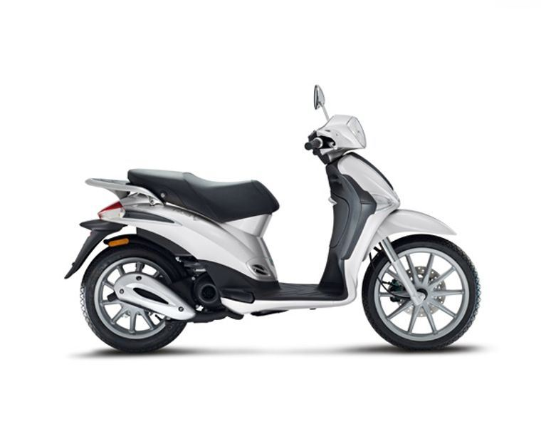 motorcycle photo PIAGGIO - LIBERTY 50 2T(2014) SCOOTER