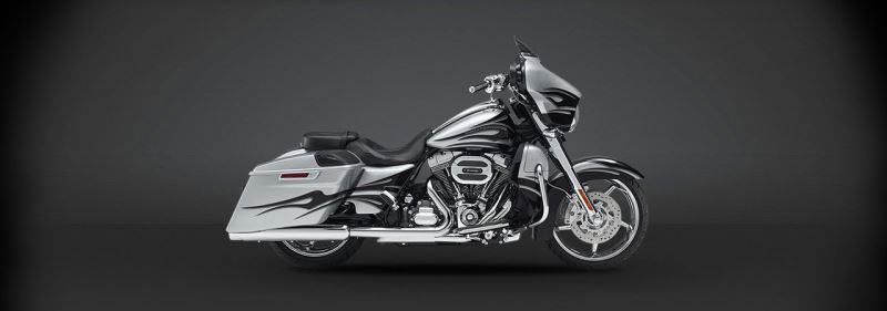 motorcycle photo HARLEY DAVIDSON - CVO Street Glide(2015) TOURING