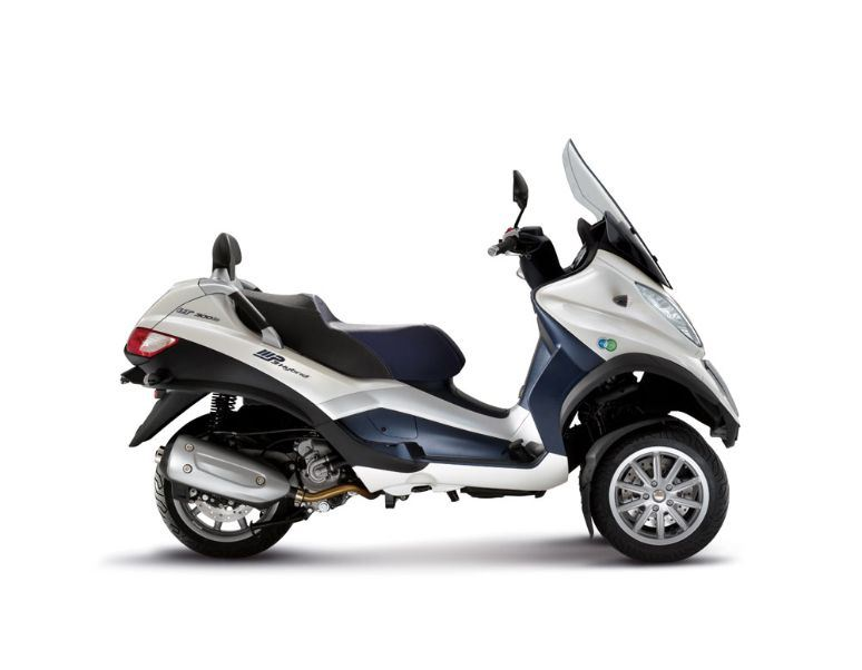 motorcycle photo PIAGGIO - MP3 HYBRID 300IE LT(2014) SCOOTER