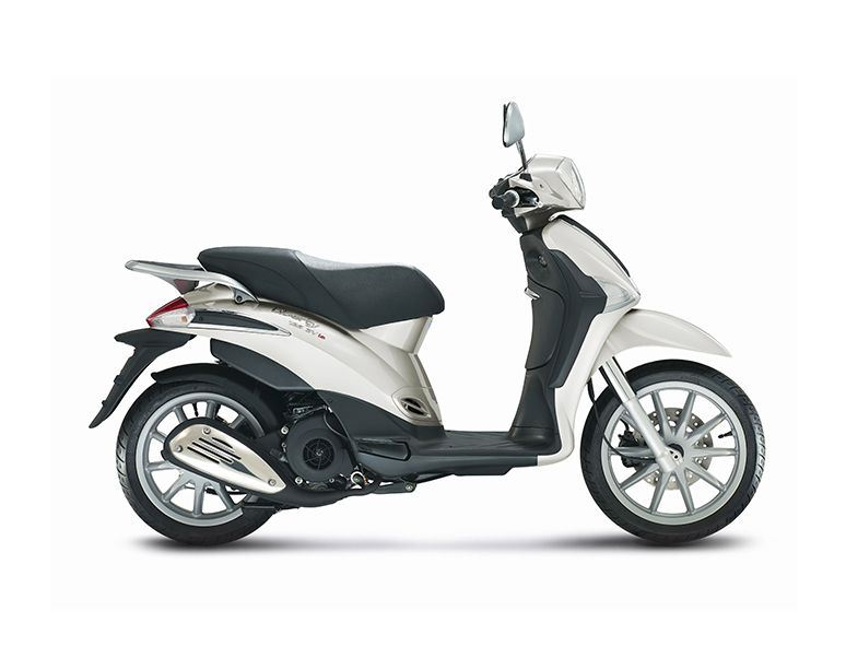 motorcycle photo PIAGGIO - LIBERTY 150 3V(2015) SCOOTER