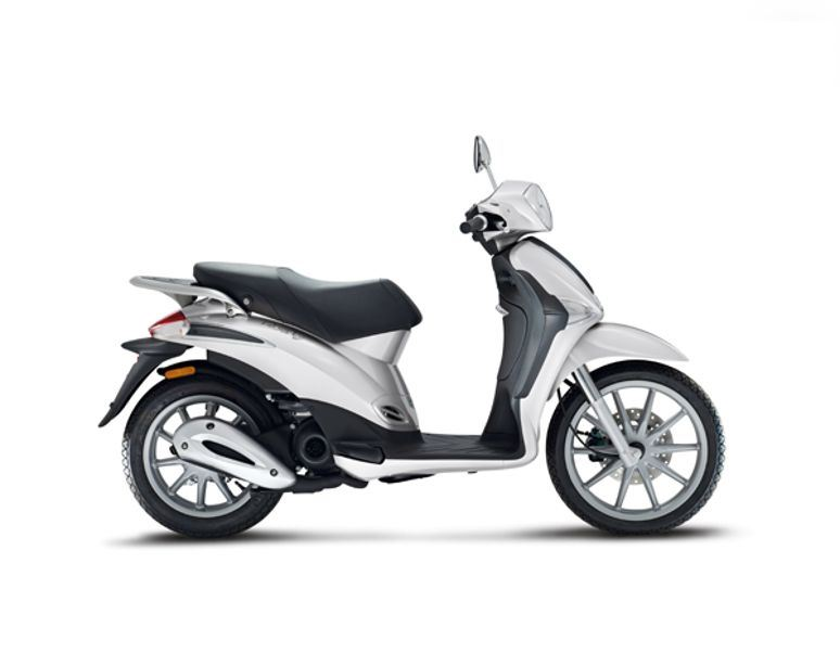 motorcycle photo PIAGGIO - LIBERTY 50 4T(2015) SCOOTER